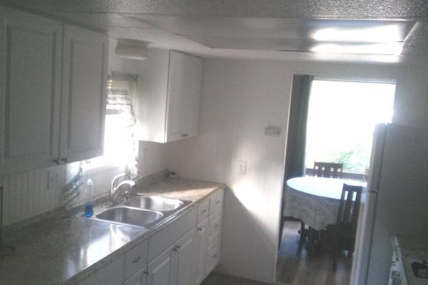 cabin12-kitchen-dining-roomsEDC3A999-A2F1-29B8-0722-65F74A74A99E.jpg